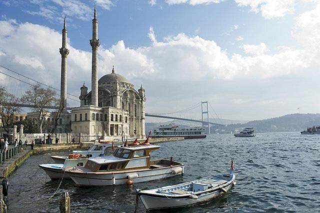 Hasil gambar untuk gambar bosphorus cruise istanbul